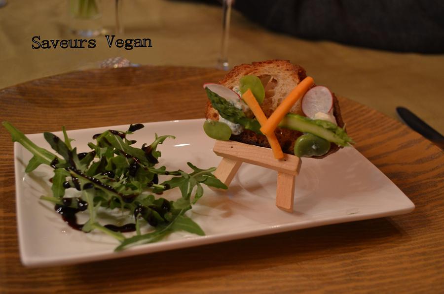 Tartine de légumes primeurs